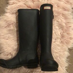 *like new* tall hunter boots